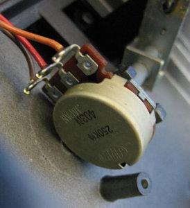 [ボリュームペダル] BOSS FV-100で使用されているポット