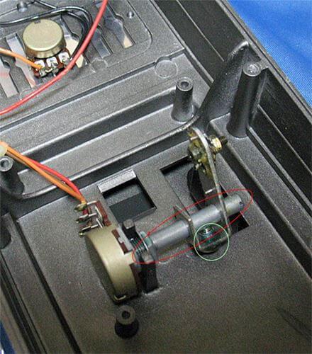 [ボリュームペダル] BOSS FV-100で使用されているポット01