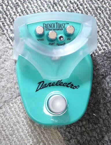 DANELECTRO French Toast DJ-13はカバー付き