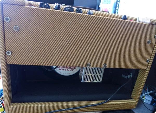 ギターアンプ バックパネルの外し方