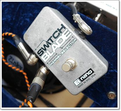 ABセレクターは、スピーカーケーブルにも対応のElectro-Harmonix Switchbladeを使用