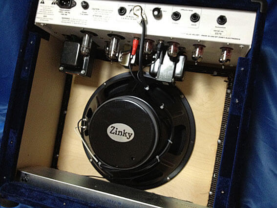 ZINKY Blue Velvet内部 スピーカーはエミネンス製12インチ