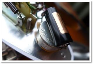 コンデンサー(キャパシター)は、ギターのトーンに関わる重要なパーツです