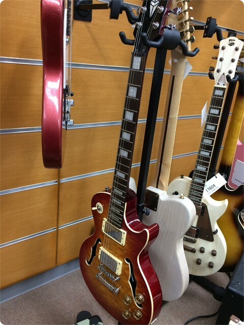 サウンドハウスのギターフロア3