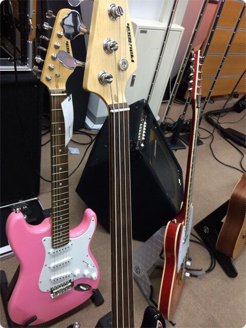 サウンドハウスのギターフロア4