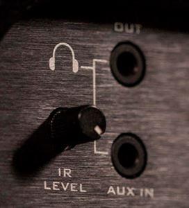 SUHR PT15 I.R.のヘッドホン/AUX端子