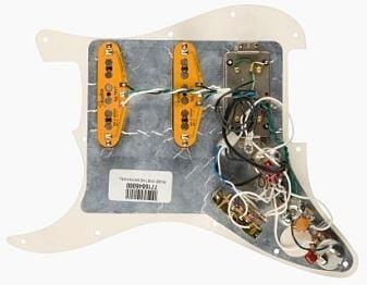 FENDER Pre-Wired Strat Pickguard Shawbucker Bridge/Gen 4 Noiseless裏